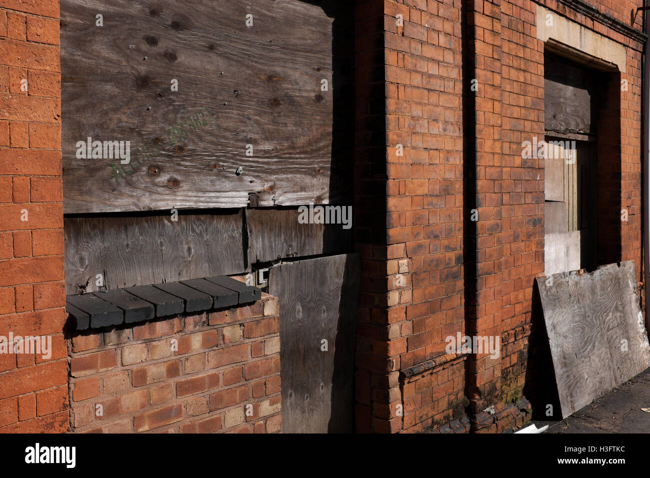 Derelict buildings in the Jewellery Quarter, Birmingham, England, UK - Stock Image