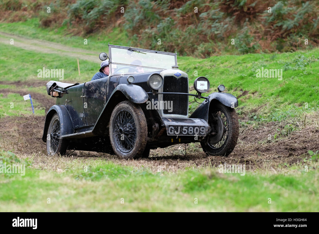 Badlands Farm, Kinnerton, Powys, Wales, UK - Saturday 8th October 2016 - Competitors in a 1930 Riley 9 Tourer take - Stock Image