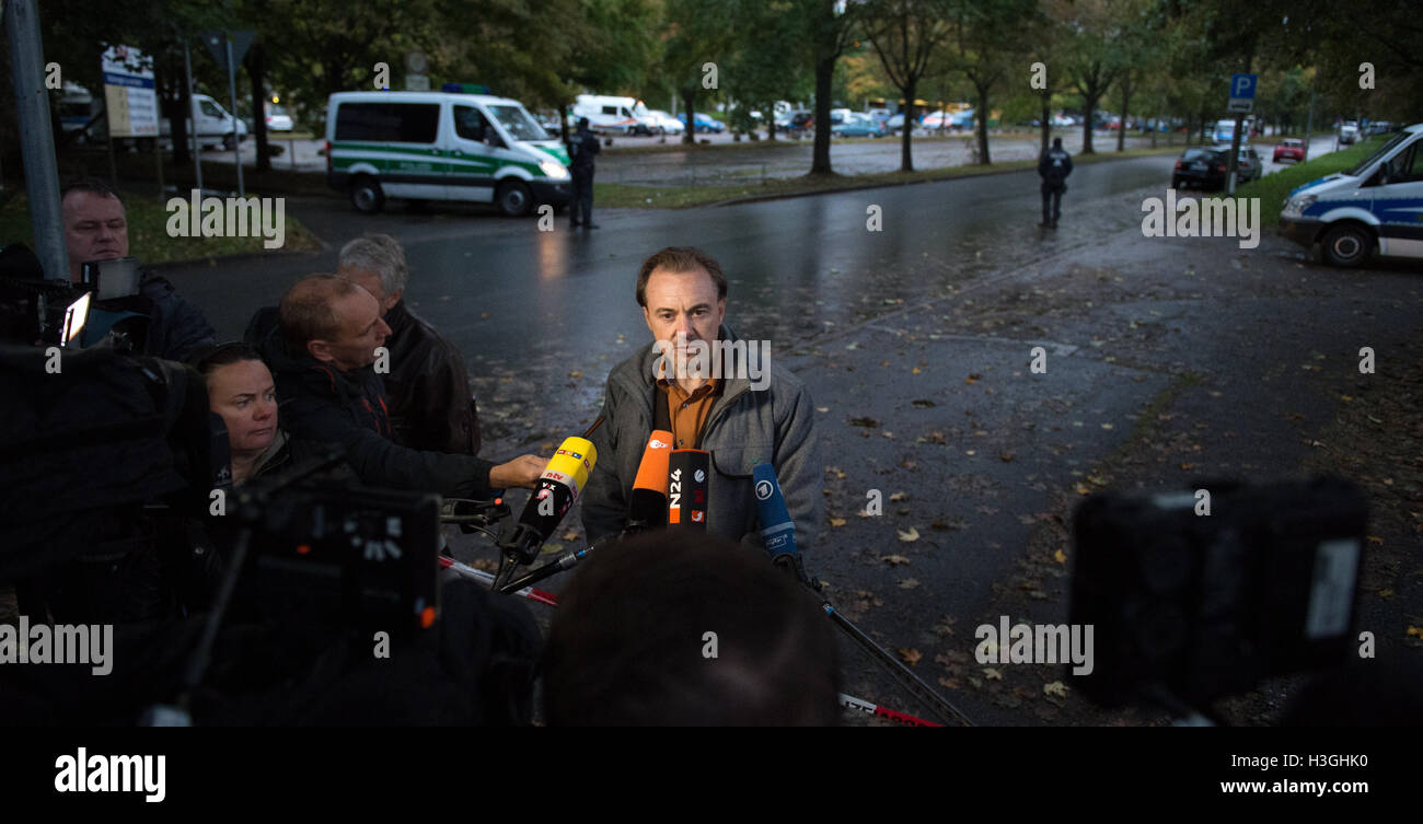 Saxony, Germany. 08th Oct, 2016. Detective Chief Superintendent Tom Bernhardt, spokesman and head of the police - Stock Image