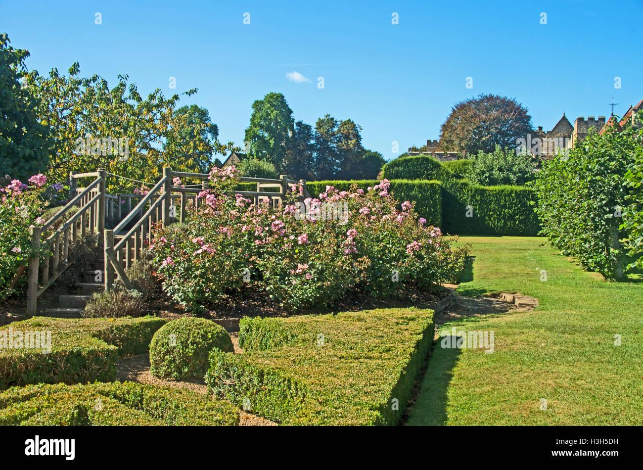 Astounding Penshurst Place Manor House Flower Garden Kent England Download Free Architecture Designs Rallybritishbridgeorg