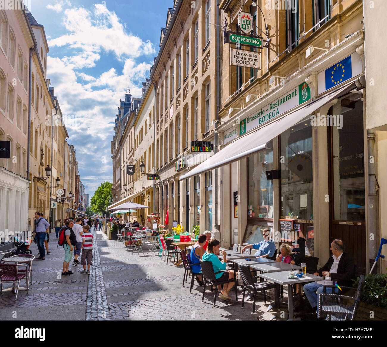 Cafes on Rue du Cure in the old town (La Vieille Ville), Luxembourg city, Luxembourg - Stock Image