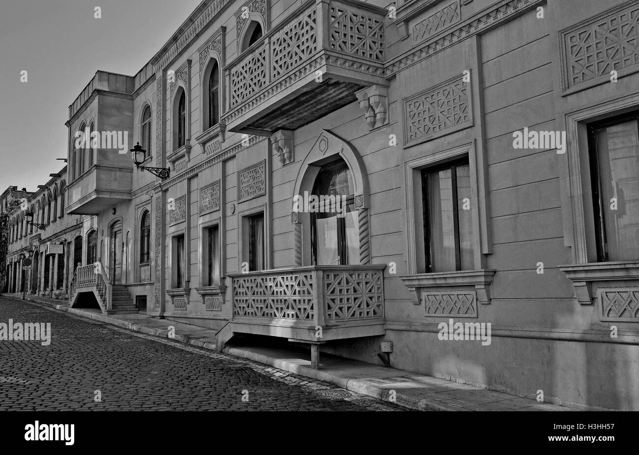 Monochrome view of a street of Baku old town - Stock Image