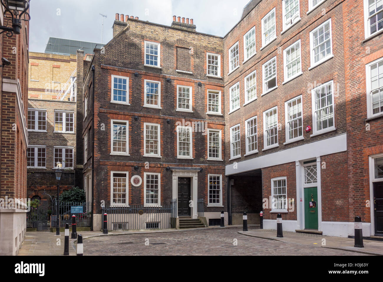 Former home of Dr Samuel Johnson, Gough Square, London, UK - Stock Image