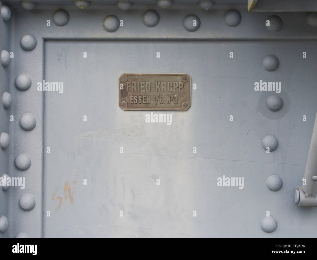 Name plate on 28 cm main battery guns at Oscarsborg fortress in  the Oslo fjord Norway, manufactured by the German - Stock Image
