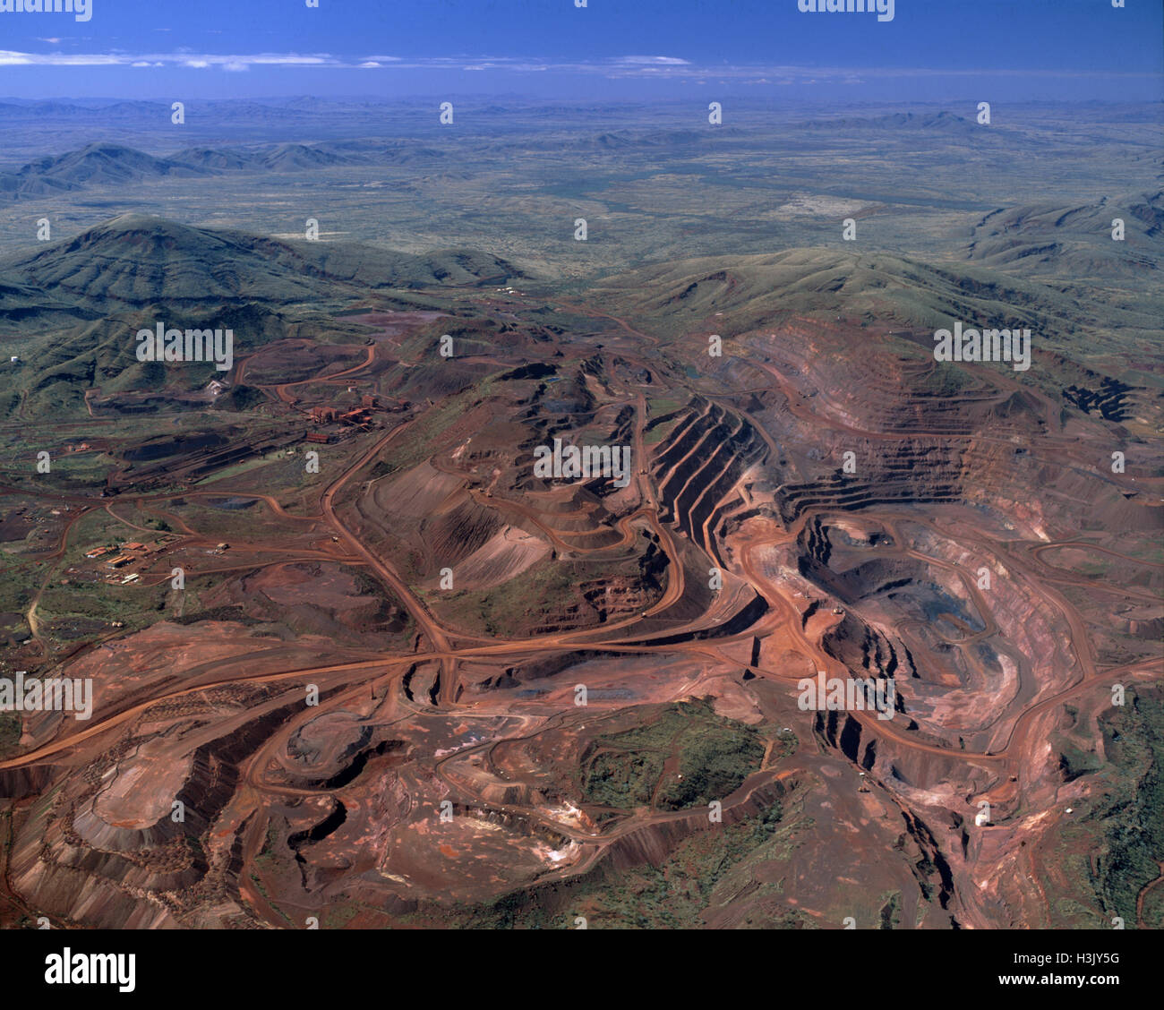 cn best price iron ore mining On friday, iron ore with 58% iron content was selling for us$3850 a ton versus the benchmark 62% iron-content price of us$6750 a ton, according to s&p global platts, a price-information provider.