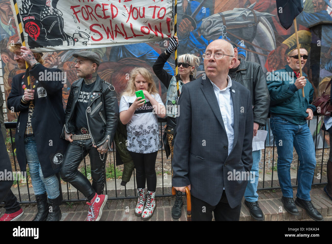 London, UK. 9th October 2016. Class War felt that the official celebration was failing to reflect the spontaneous - Stock Image