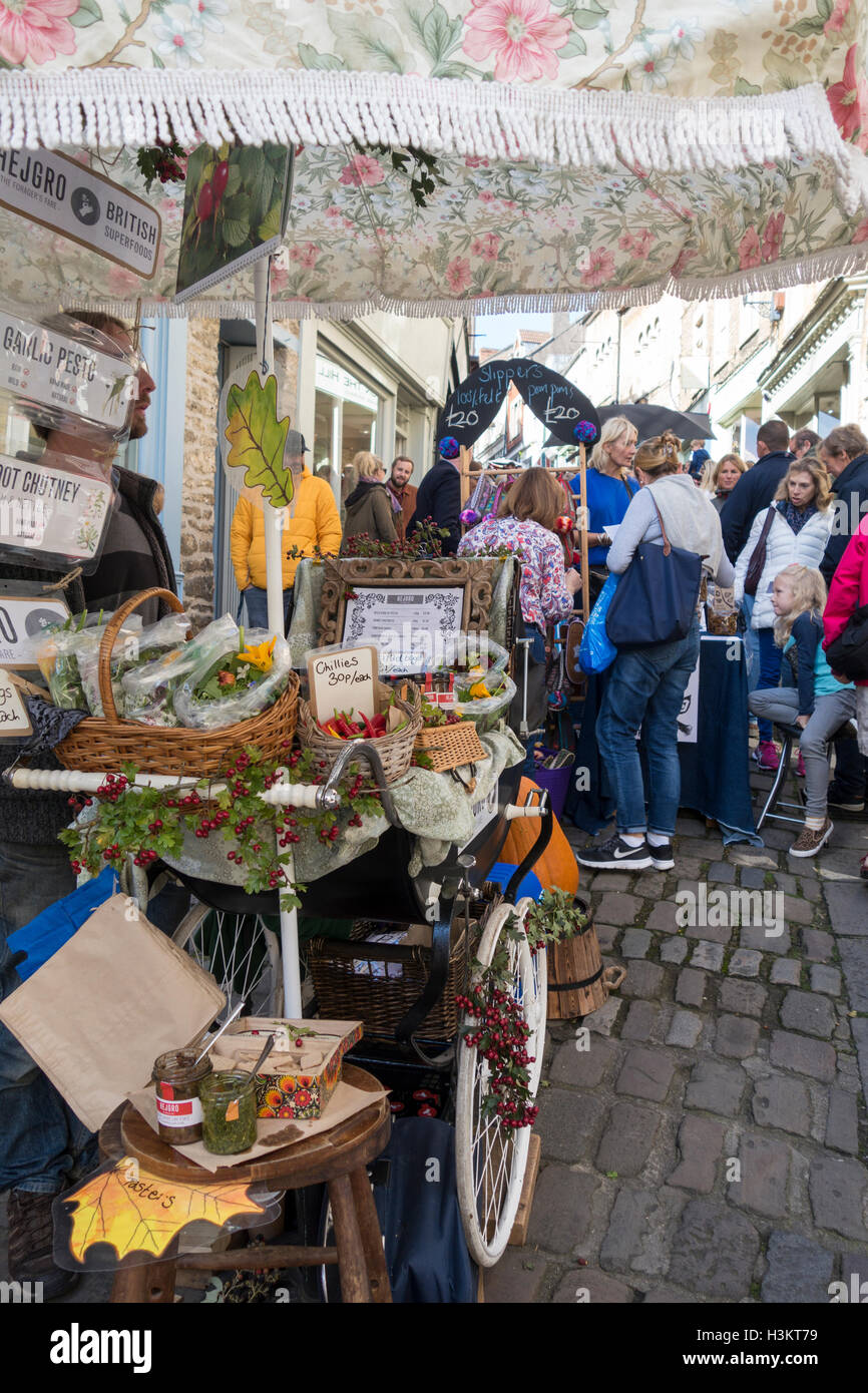 Frome Sunday Vintage and Artisan market, Frome, Somerset - Stock Image