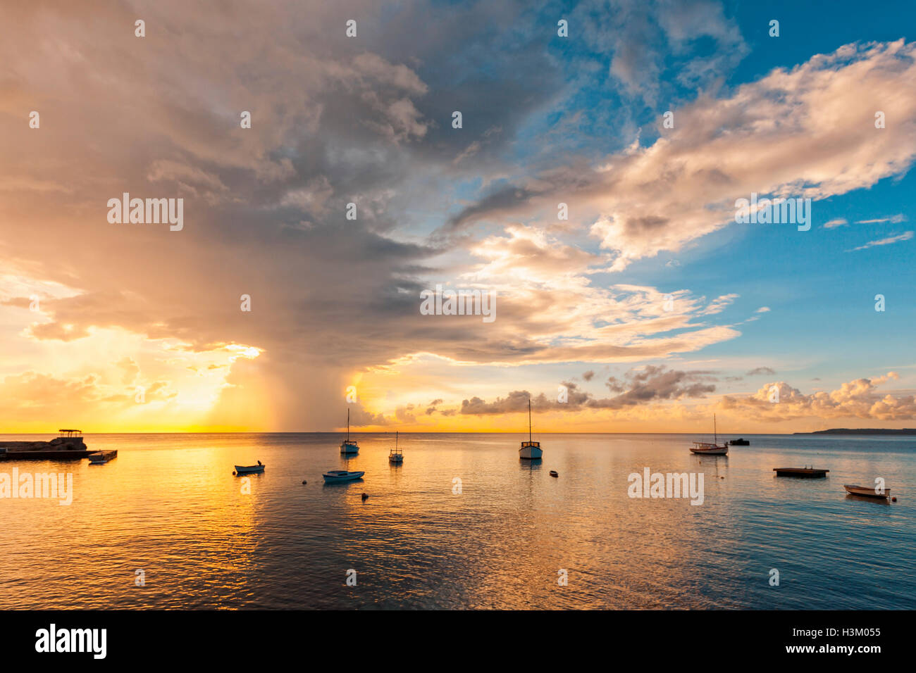 Impressing sunset at Fort St. Michiel beach, Curacao - Stock Image
