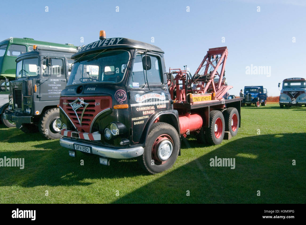 foden truck breakdown trucks lorry lorries english - Stock Image