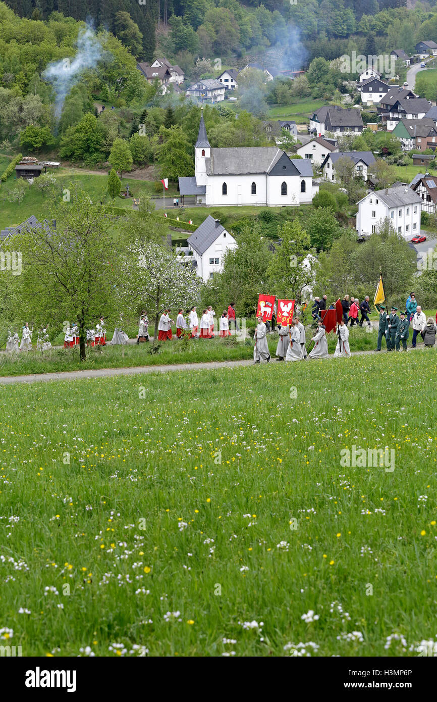 Whitsun procession, Rehringhausen, Olpe, Sauerland, North Rhine-Westfalia, Germany - Stock Image