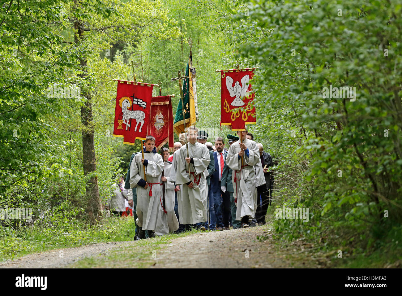 Whitsun procession, Neuenkleusheim, Olpe, Sauerland, North Rhine-Westfalia, Germany - Stock Image