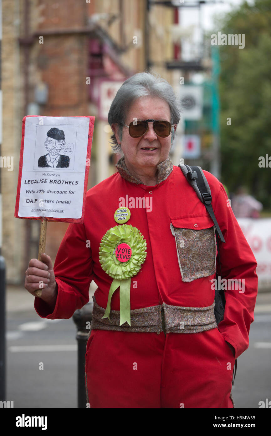 David Laurence Bishop, Bus-Pass Elvis Party candidate in the Witney by-election, West Oxfordshire, England, UK - Stock Image