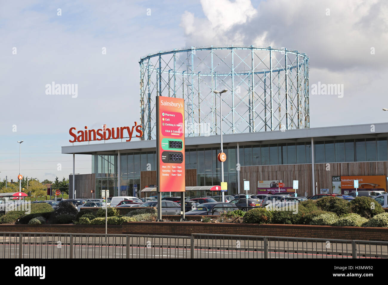sainsbury 39 s store on the purley way croydon uk a major. Black Bedroom Furniture Sets. Home Design Ideas