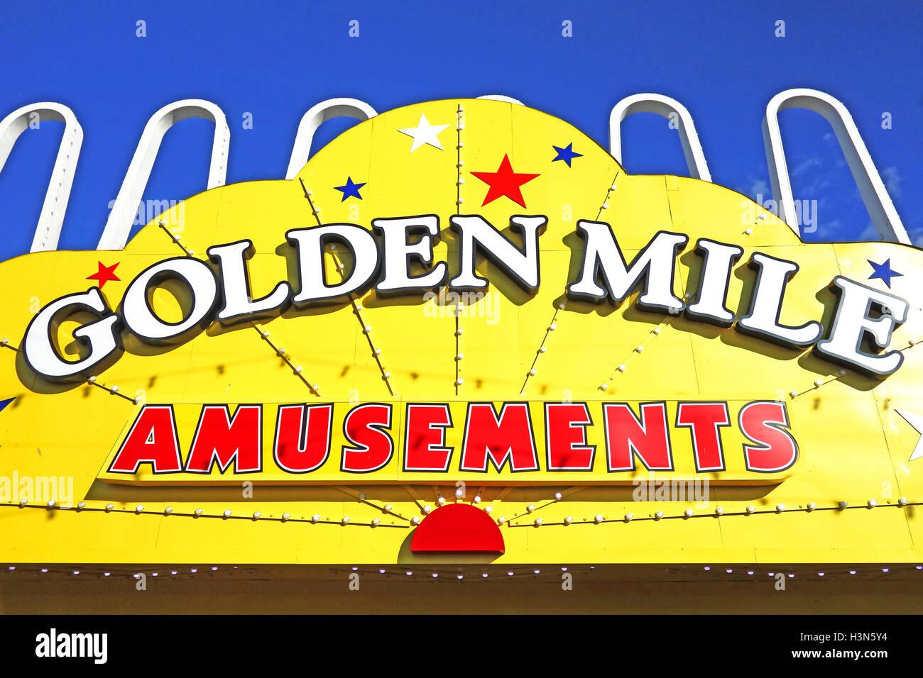 Golden Mile amusements arcade in Blackpool, Lancashire, England, UK - Stock Image