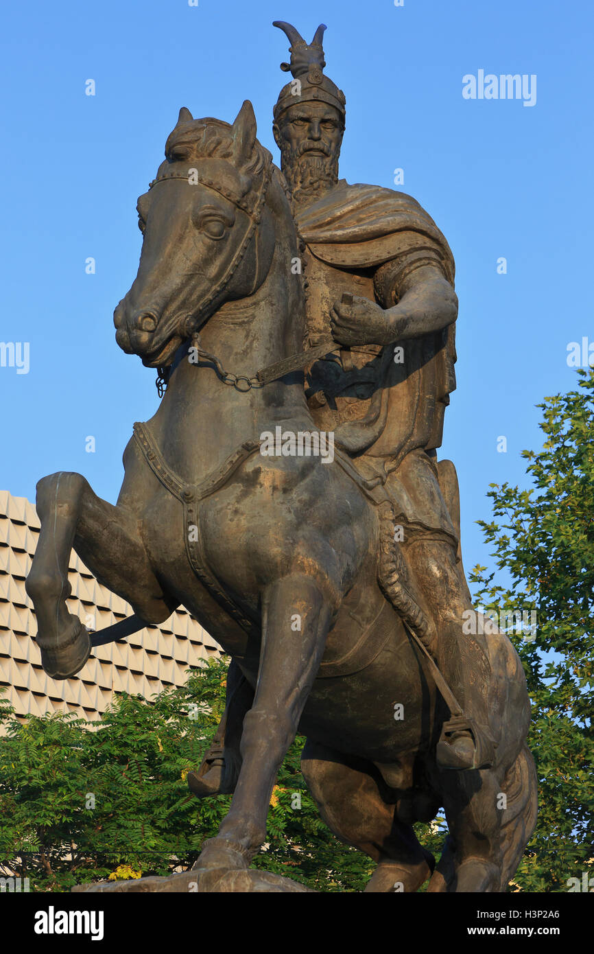 Monument to the Albanian nobleman and military commander Skanderbeg (1405-1468) in Pristina, Kosovo - Stock Image