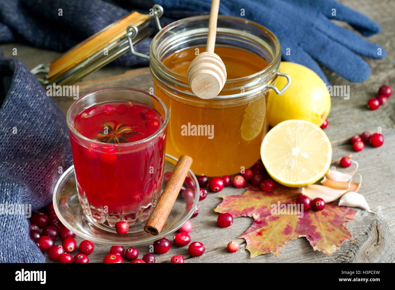 Cranberry tea, honey and lemon products to Strengthen immunity - Stock Image