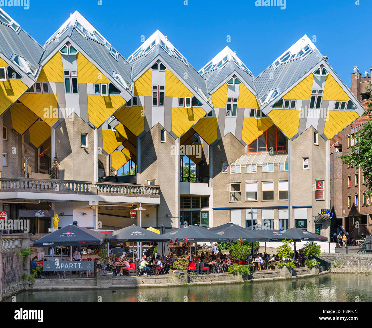 Cube Houses (Kubuswoningen) viewed from Oude Haven (Old Harbour), Blaak, Rotterdam, Netherlands - Stock Image