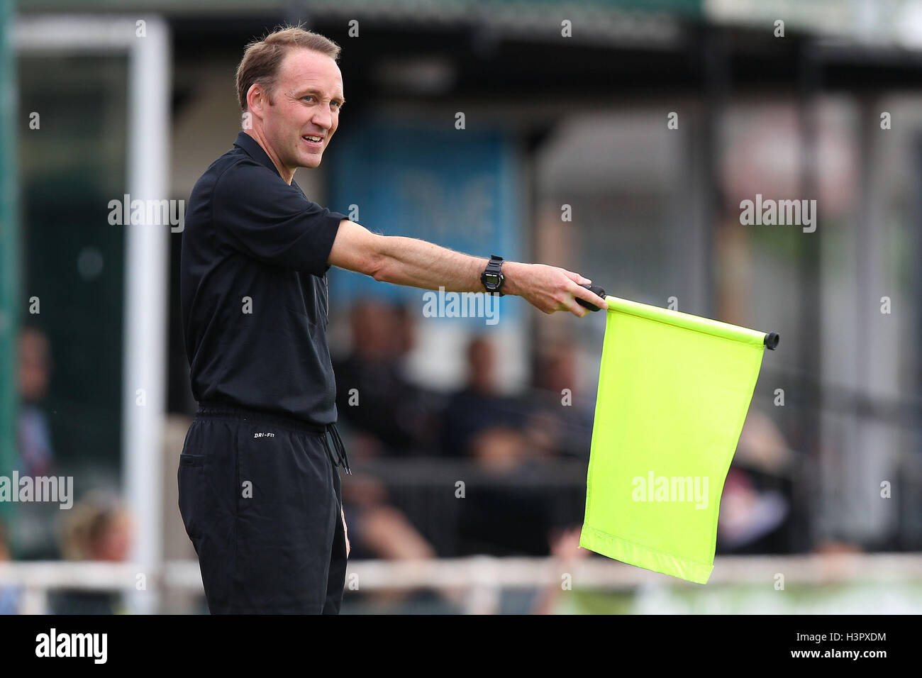 Assistant referee Craig Pullen signals off-side - AFC Hornchurch vs Lewes - Ryman League premier Division Football - Stock Image