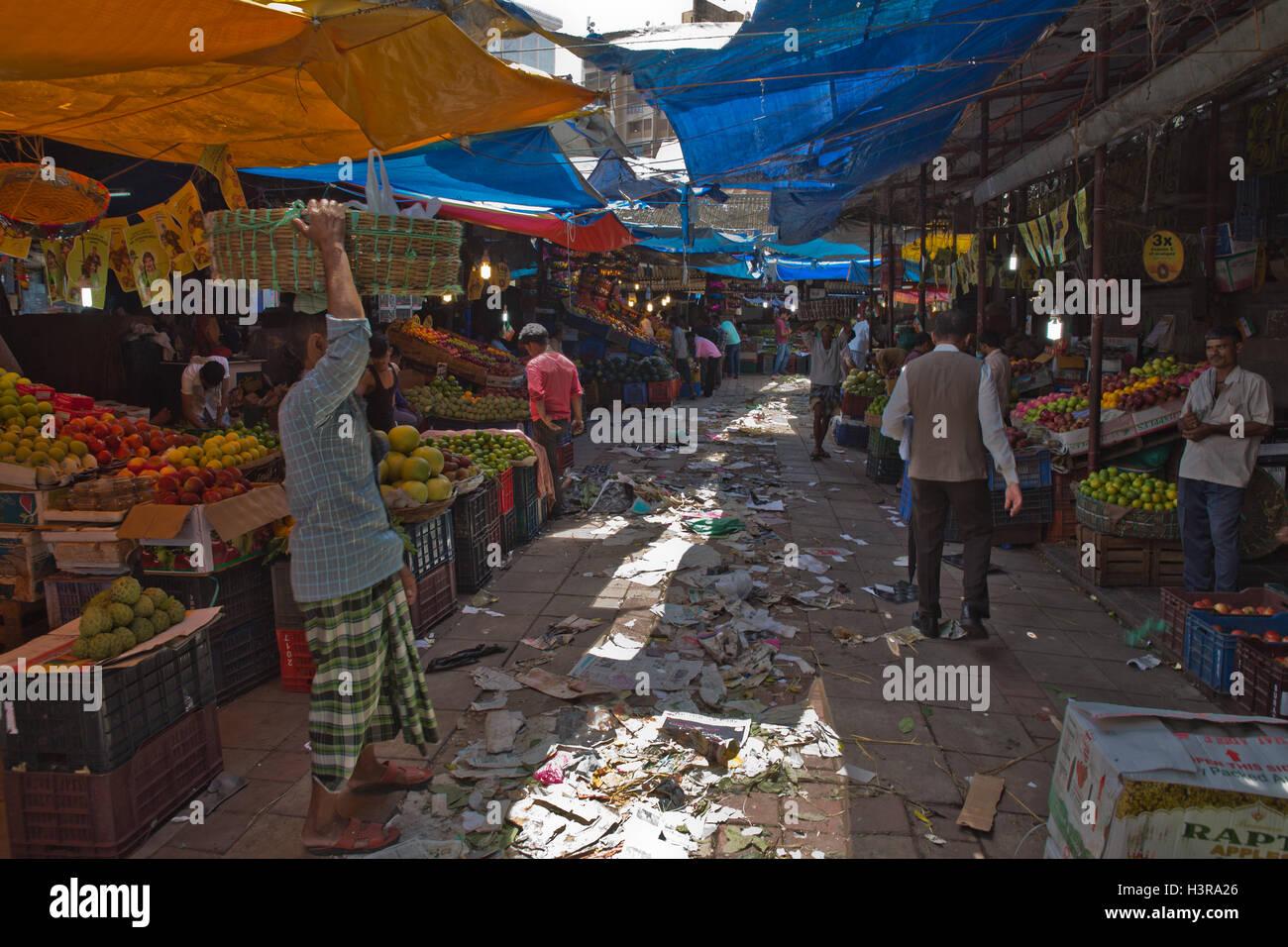Vendors in Crawford Market - Stock Image