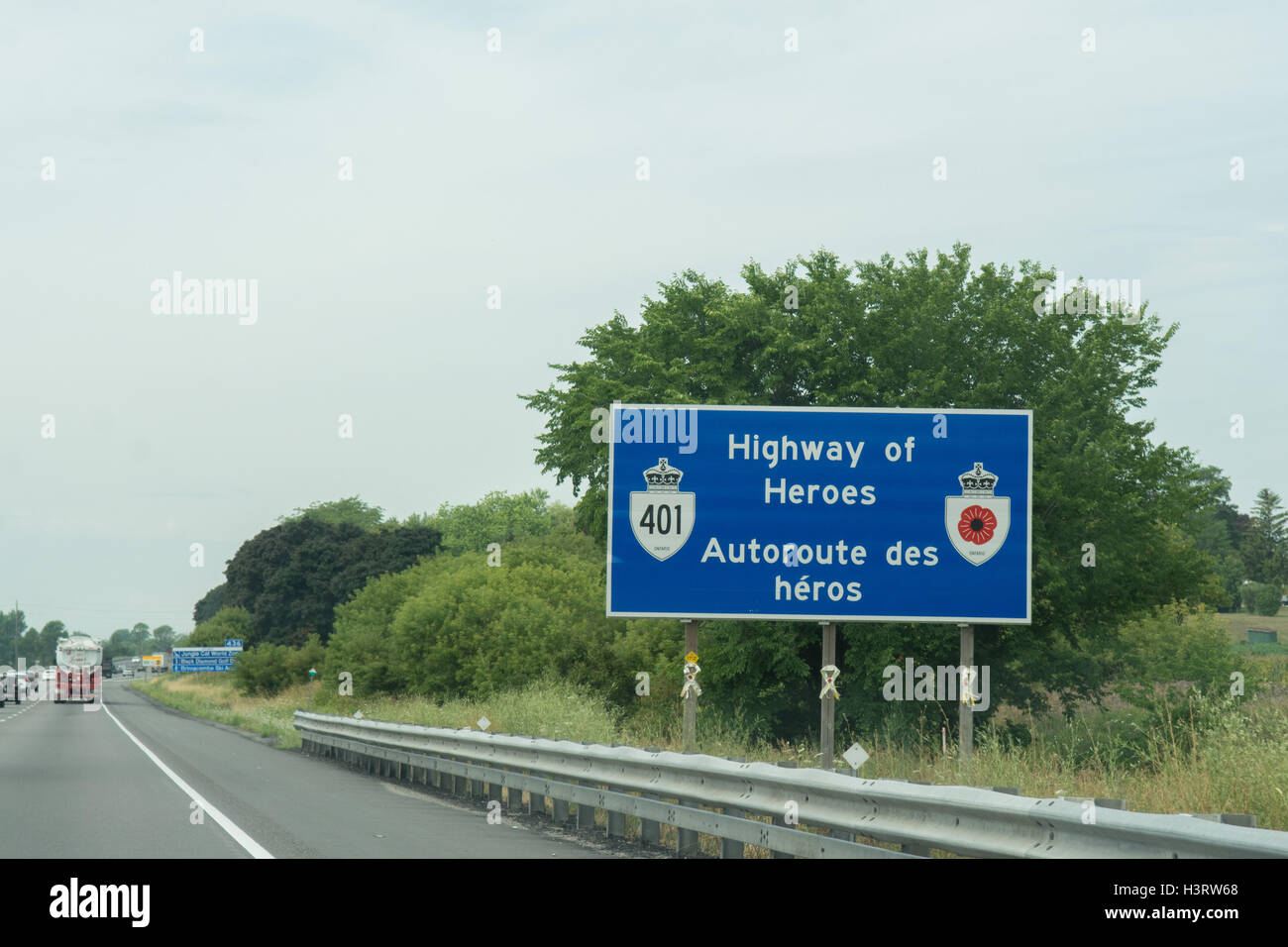 Highway of Heroes sign - to honour Canada's soldiers killed in Afghanistan, Highway 401, Ontario, Canada - Stock Image