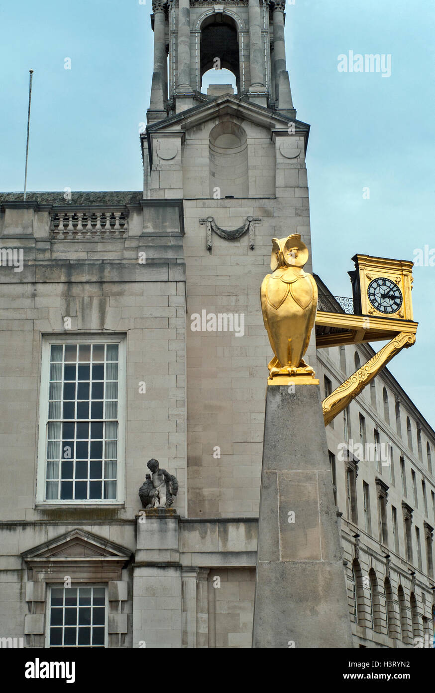 Leeds golden Owl, and Clock by the Civic Hall Tower, Leeds West Yorkshire UK - Stock Image