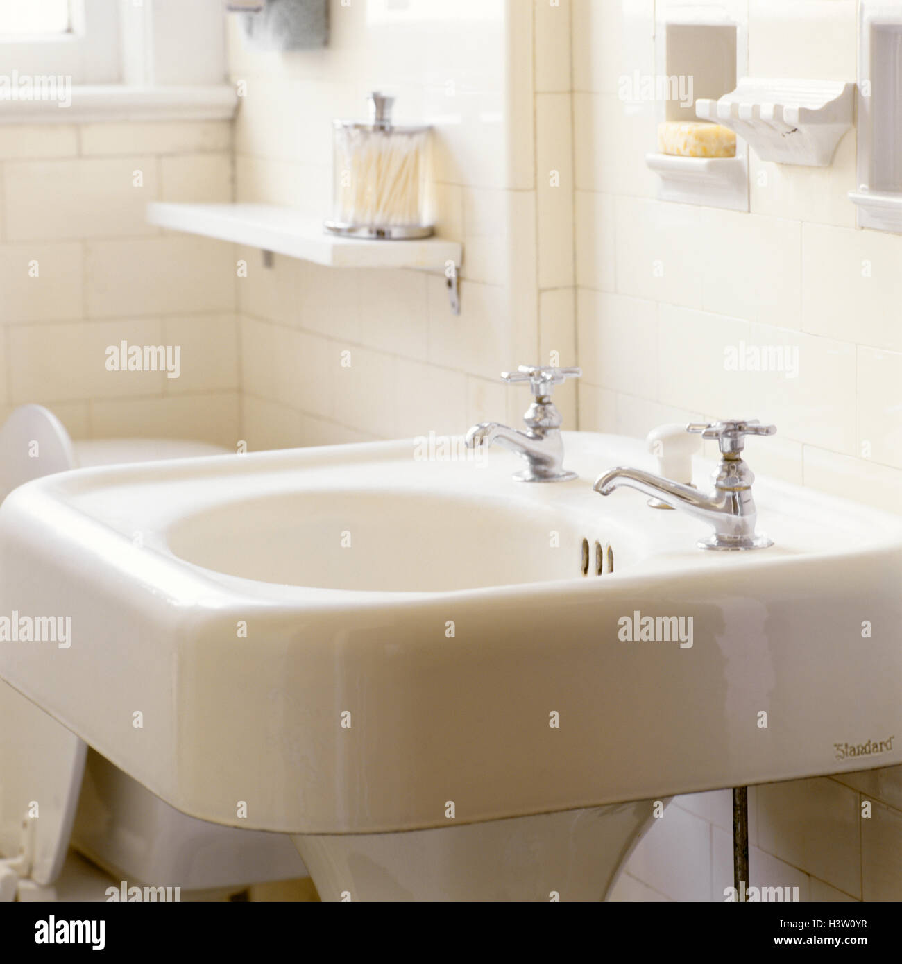 Vintage Sink Stock Photos & Vintage Sink Stock Images - Alamy