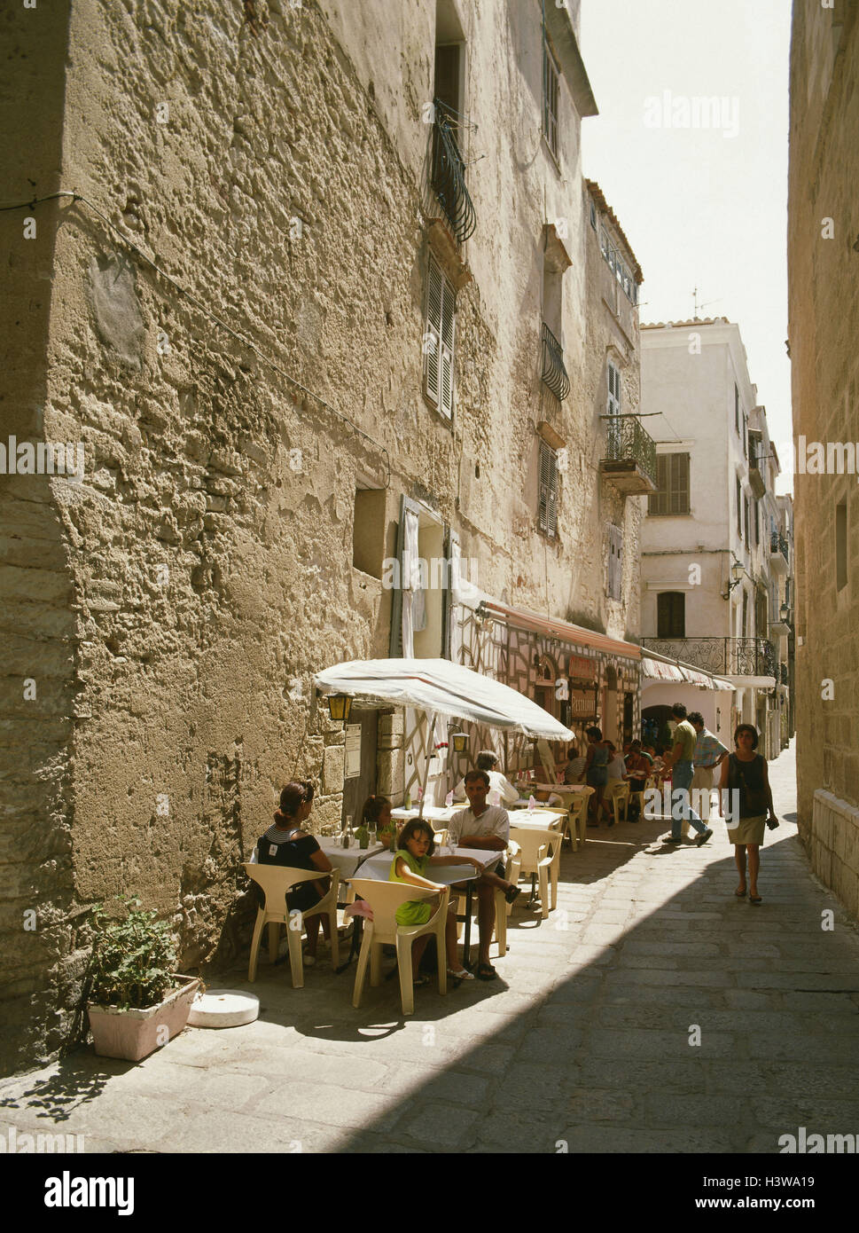 FE Corsica, Bonifacio, Old Town, lane, street cafe - Stock Image