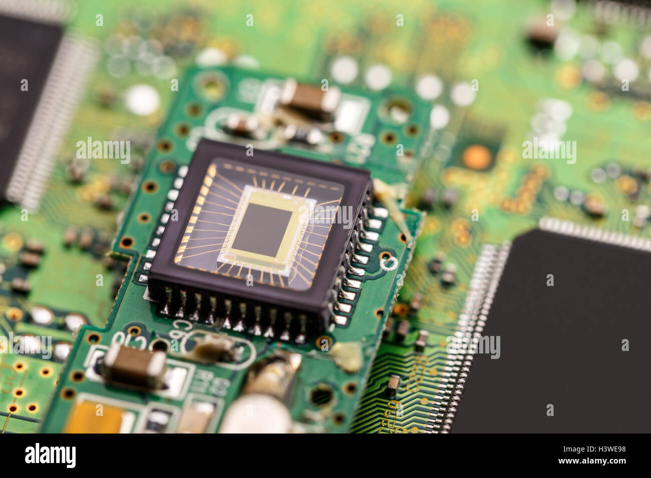 Processor (microchip) interconnected receiving and sending information. - Stock Image