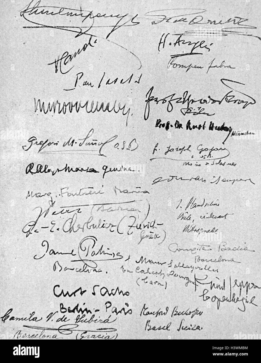 Signatures collected in a programme of the Third Congress of the International Society of Musicology. Dated 20th - Stock Image