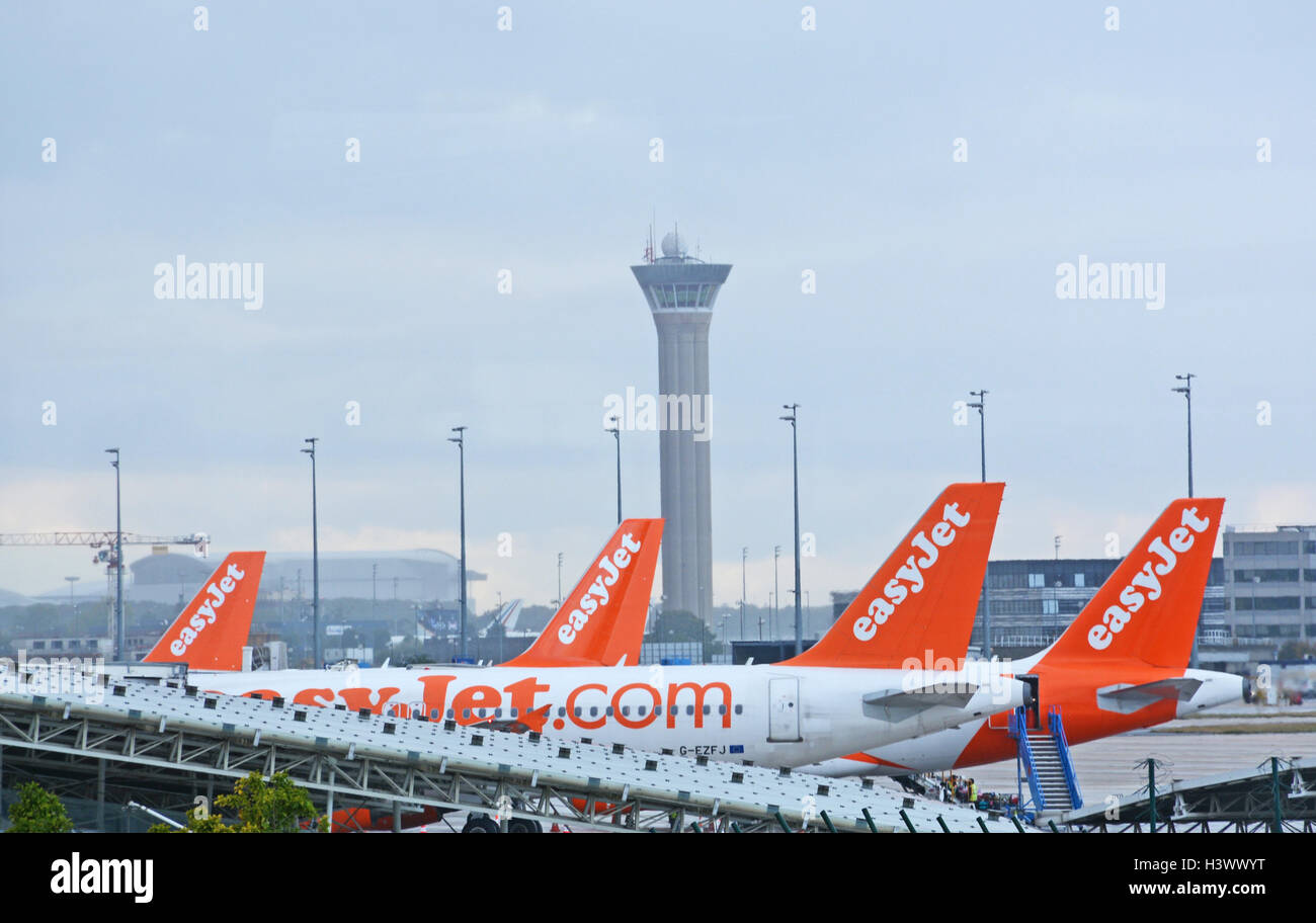 easyjet airplanes Roissy Charles-de-Gaulle airport - Stock Image