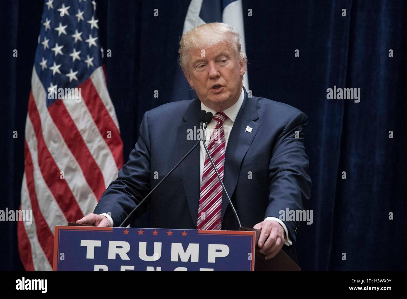 US Republican presidential candidate Donald Trump speaks at fund-raising luncheon in San Antonio, Texas - Stock Image