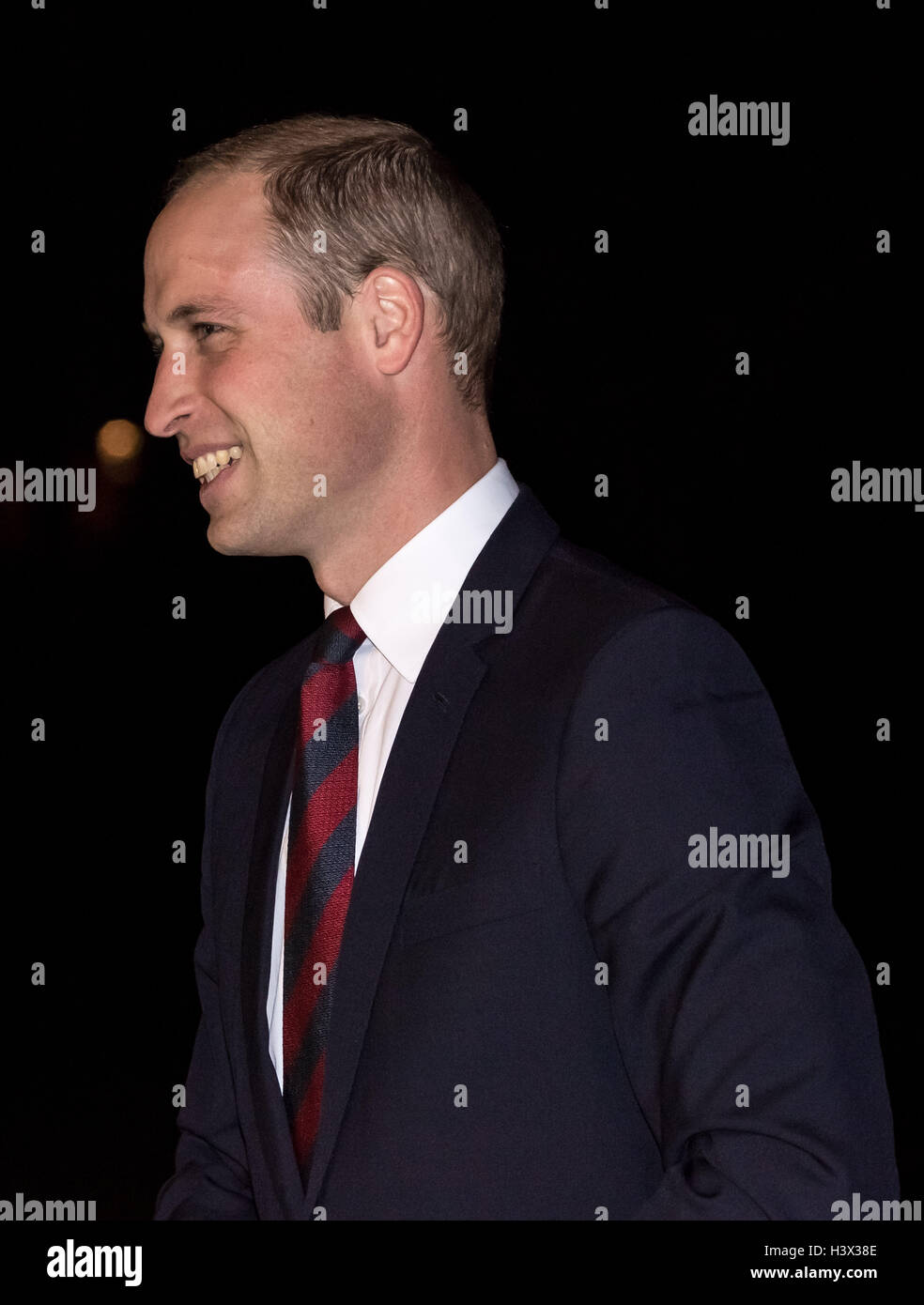 London, UK. 12th October, 2016. The Duke of Cambridge, Prince William, arrives at Royal Hospital Chelsea to present - Stock Image