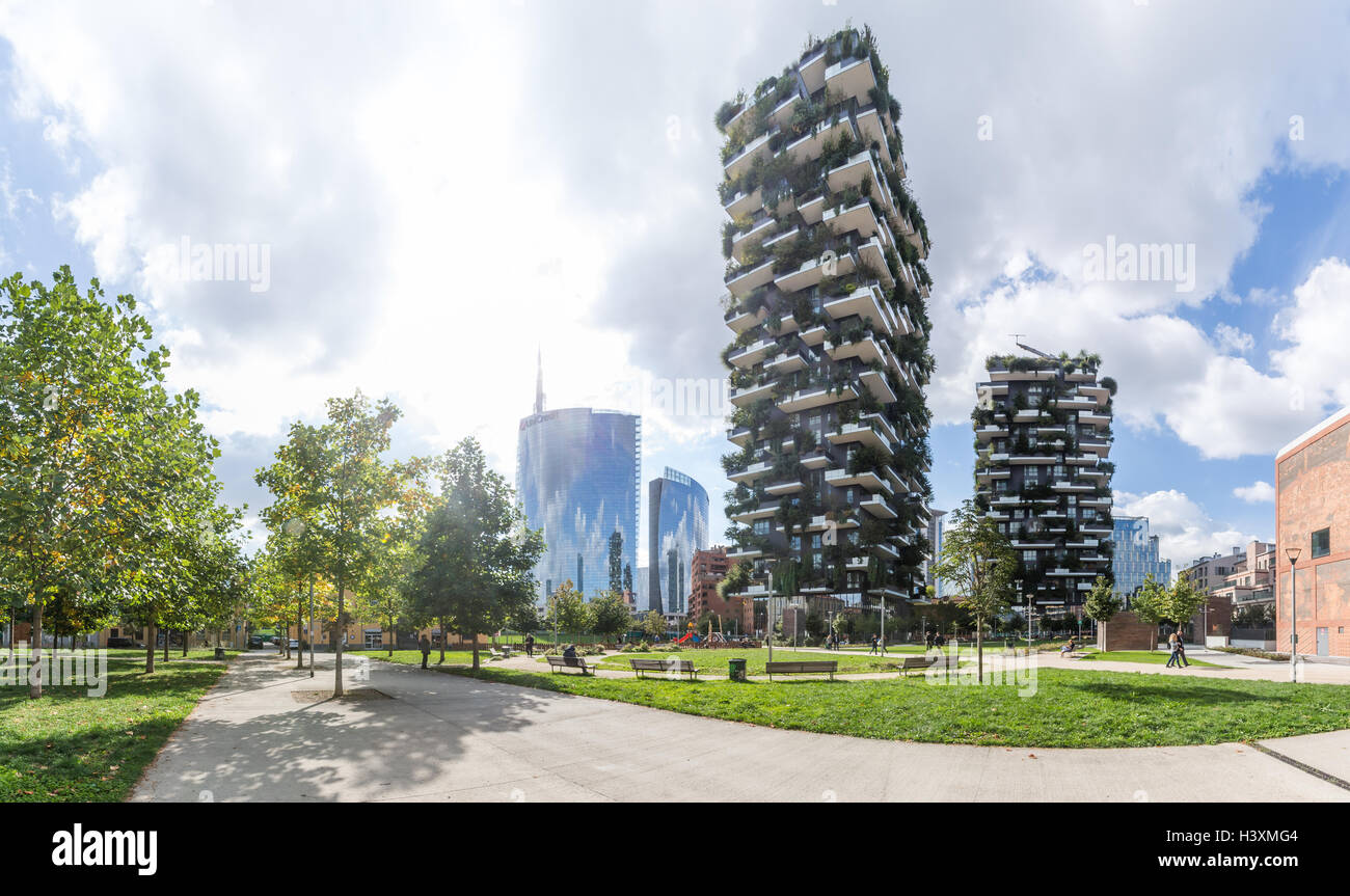 The new skyline in Porta Nuova quarter in Milano, Italy. The Vertical Forest (Bosco Verticale) and Unicredit Tower Stock Photo