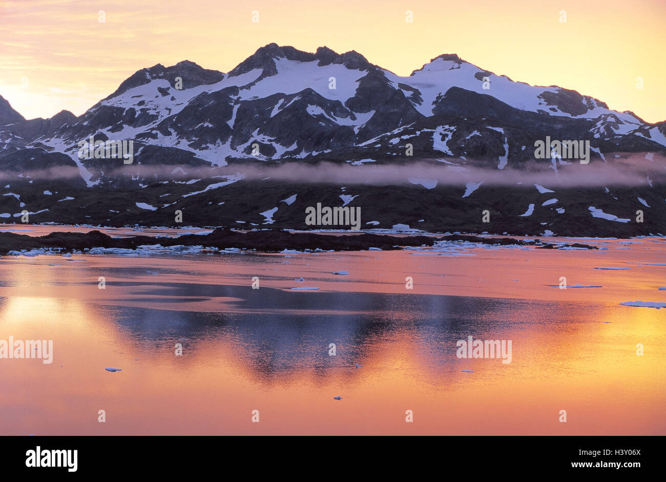 Denmark, Greenland, 'king Oskar Bucht', Polhems Fjeld, sunrise coast, south east Greenland, morning mood, - Stock Image