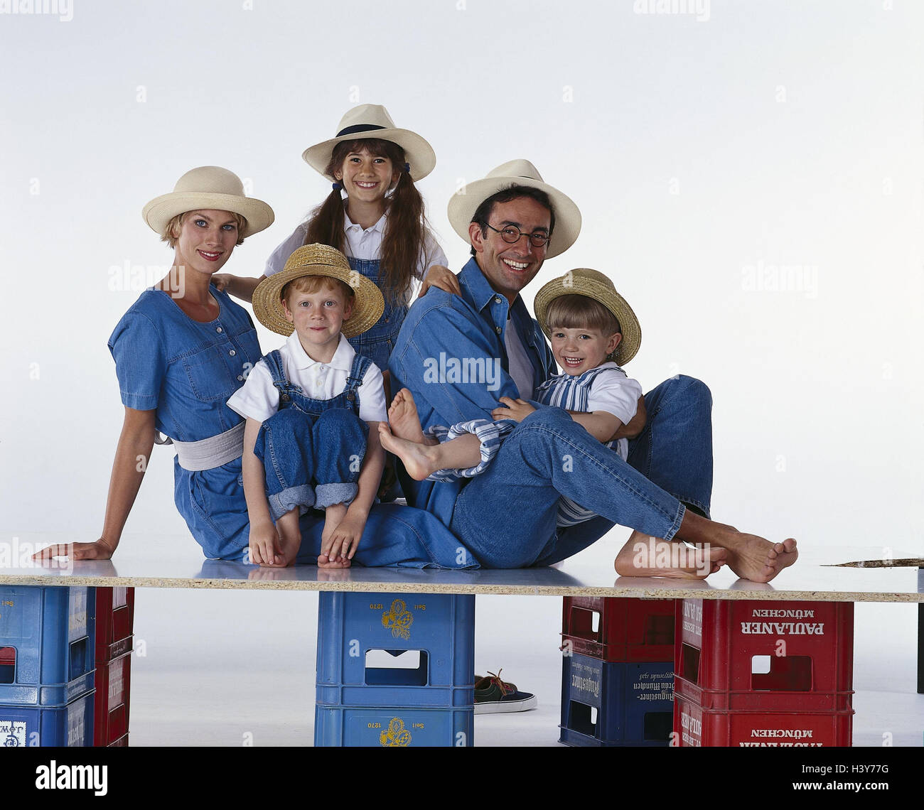 Family, hats, happy, hand, head, rest on, there, smile, group picture parents, woman, man, children, boys, girls, Stock Photo