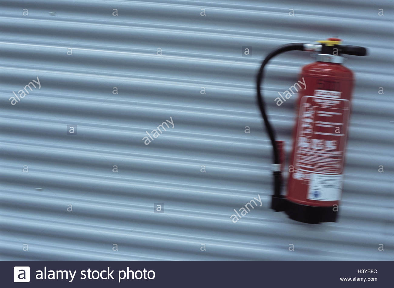 Fire Extinguisher Wall Stock Photos & Fire Extinguisher Wall Stock ...