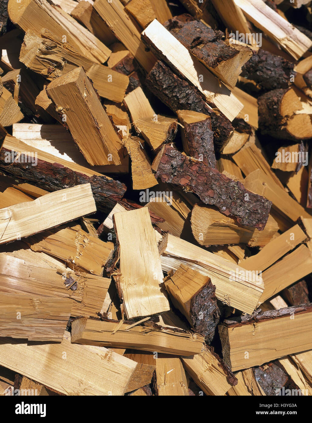 Firewood, heap, detail, wooden, Holzscheiter, softwood, spruce, trunks, strains, chopped, minced, fuel, product - Stock Image