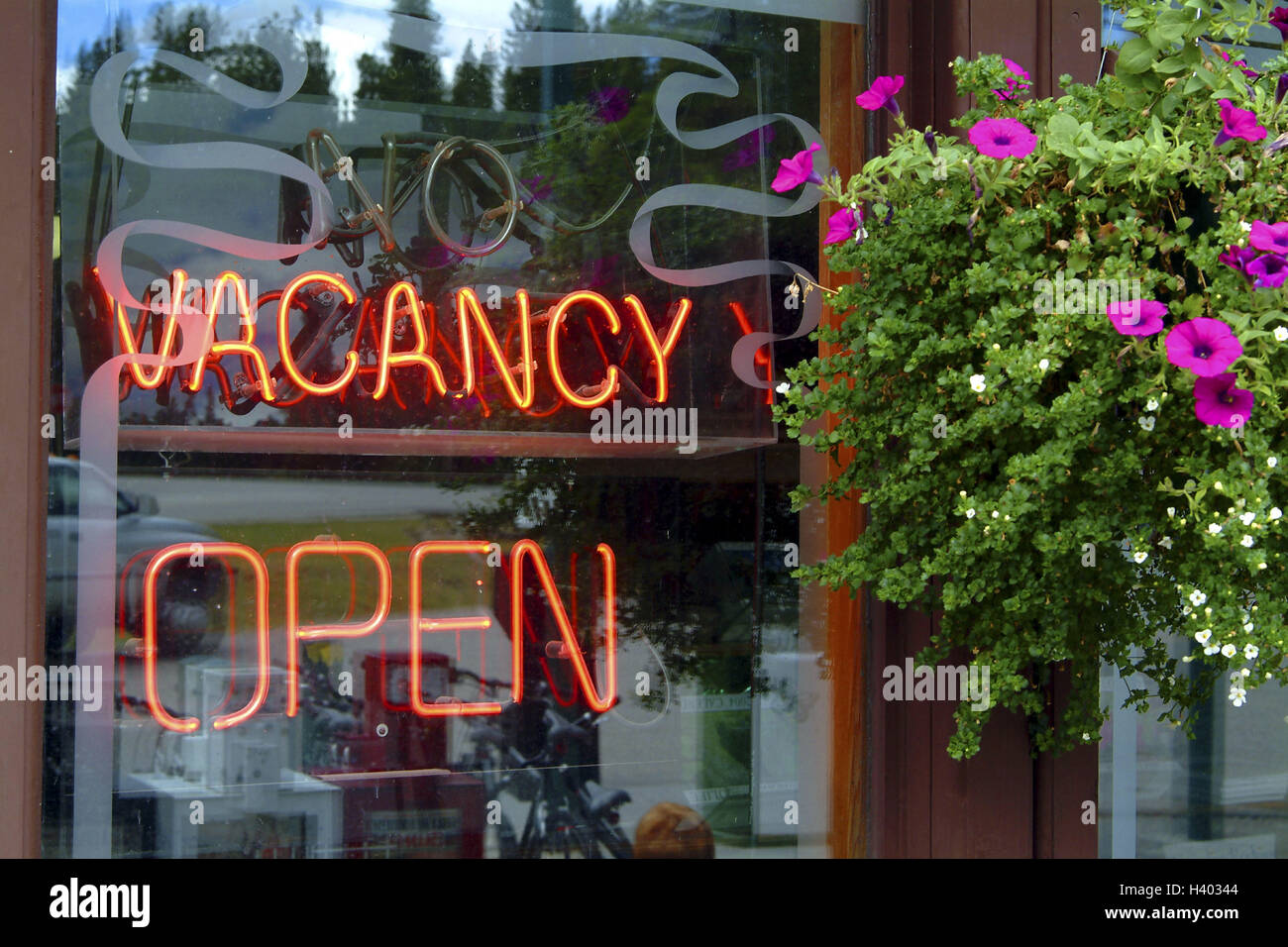 Shop-window, detail, neon writing, 'Vacancy open', North America, Canada, bar, restaurant, restaurant, accomodation, - Stock Image
