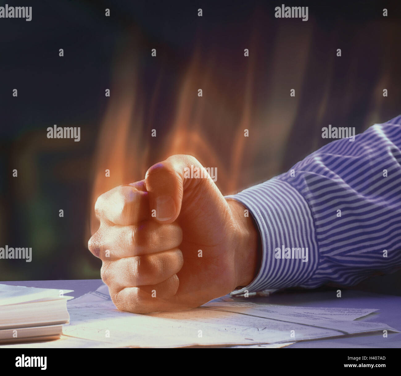 Man, detail, arm, table, fist, hit, [M], fury, rage, furiously, angrily, annoys, annoyance, fit rage, outburst rage, Stock Photo