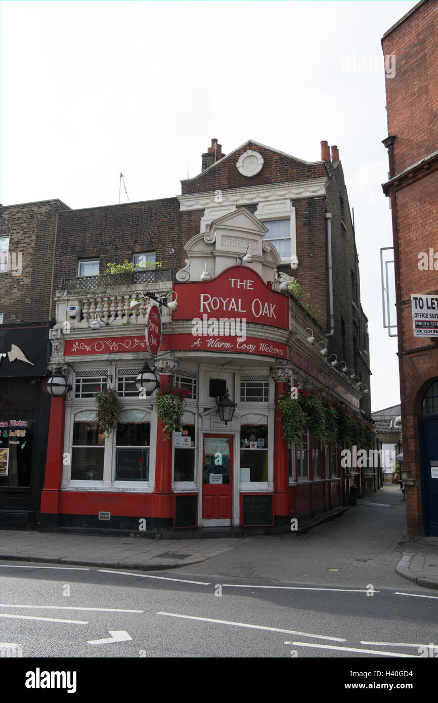 The Royal Oak public house in Kennington Lane South East London was rebuilt in 1891 - Stock Image