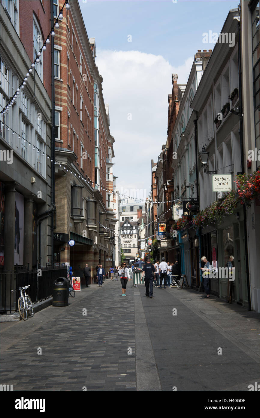 A view along Kingley street in the west end of London. It runs parallel to Regent Street and has restaurants and - Stock Image