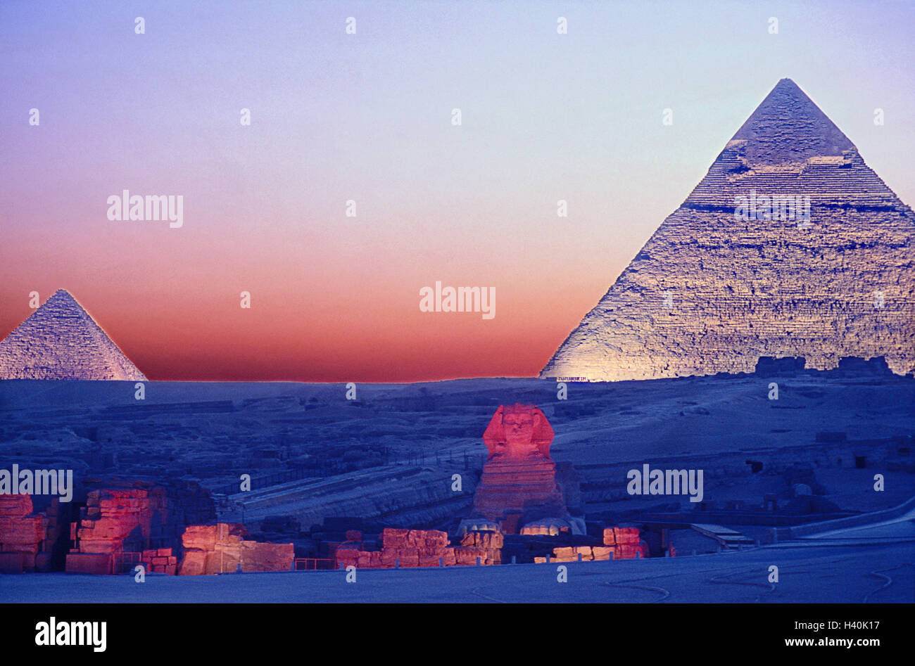 Egypt, Gizeh, pyramids, sphinx, lighting, dusk, Africa, north-east, Africa, Giseh, culture, archeology, place of - Stock Image