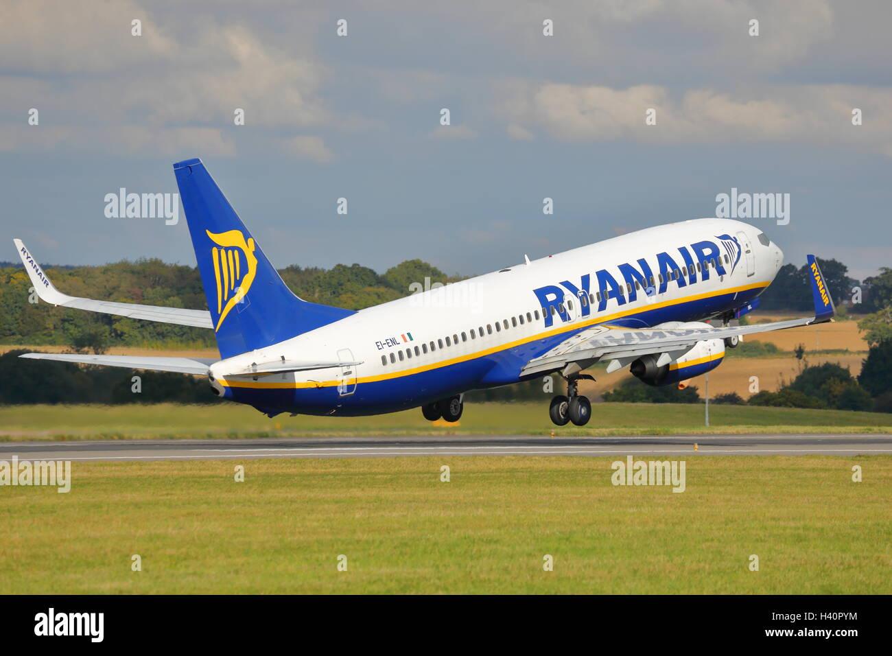 Ryanair Boeing 737-800 Next Gen EI-ENL taking off from Luton Airport, UK - Stock Image