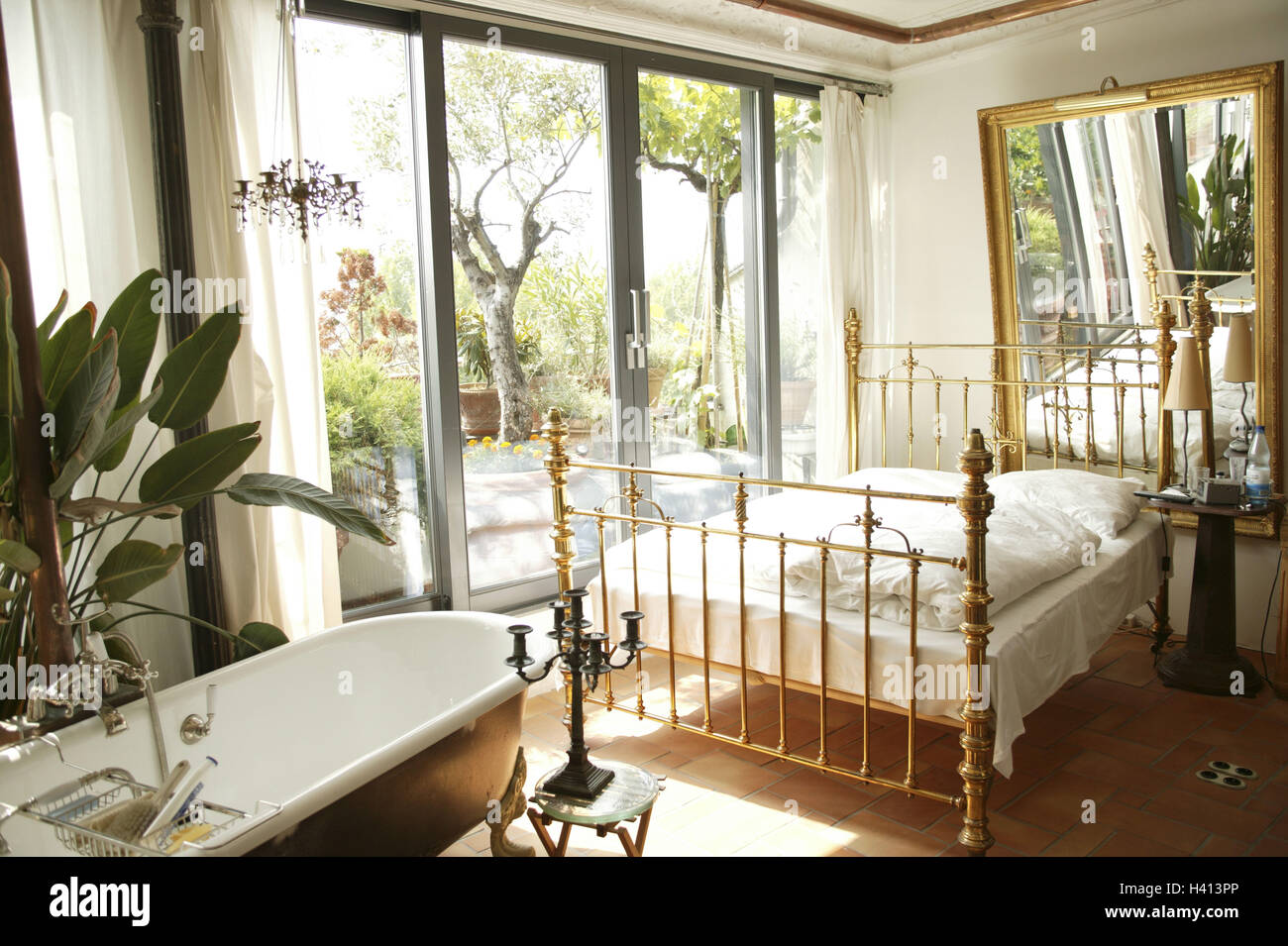 Bedroom, bed, wall, reflector, bath, terrace door, living, room ...