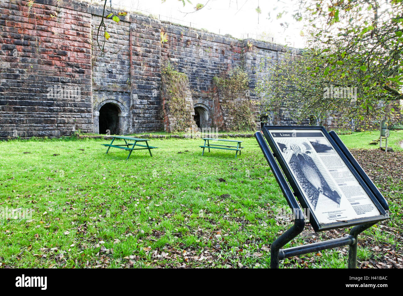 The lime kilns at Froghall Wharf Caldon Canal Froghall Stoke-on-Trent Staffordshire Staffs England  UK - Stock Image