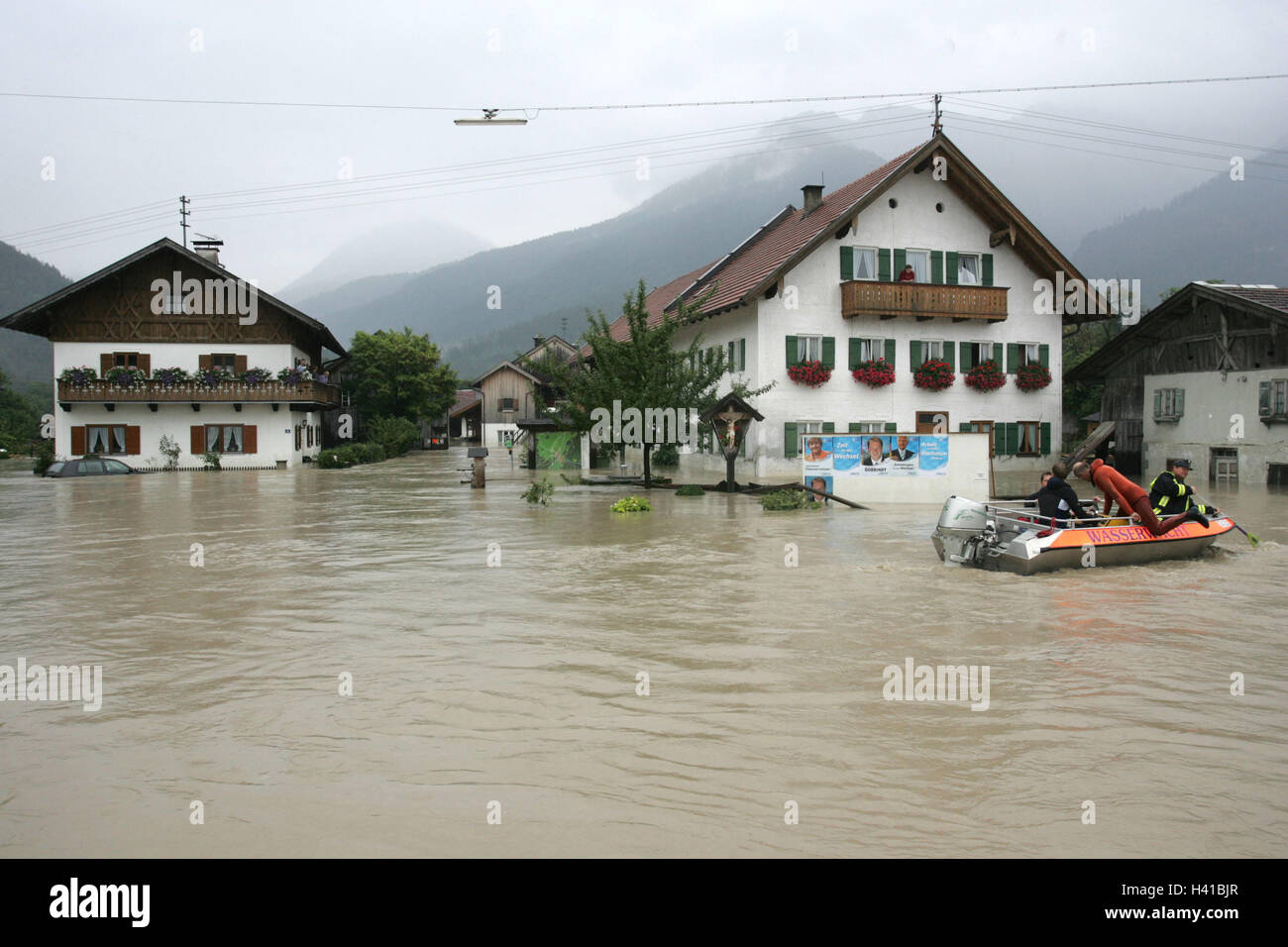 Germany, Bavaria, ash raging flame, river, Loisach, high waters, residences,  flood, rescue strengths, boat, only - Stock Image