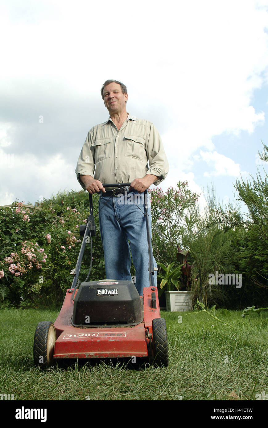 Garden, meadow, man, lawn mower, middle old person, 40-50 years