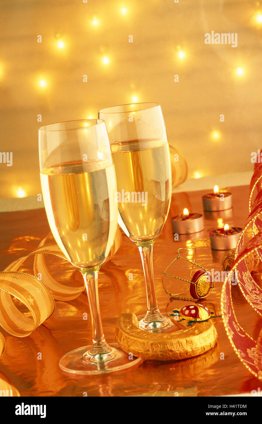 Lives, New Year's Eve, champagne glasses,  Candles, lucky charm,  New Year's Eve night, New Year's Eve, - Stock Image