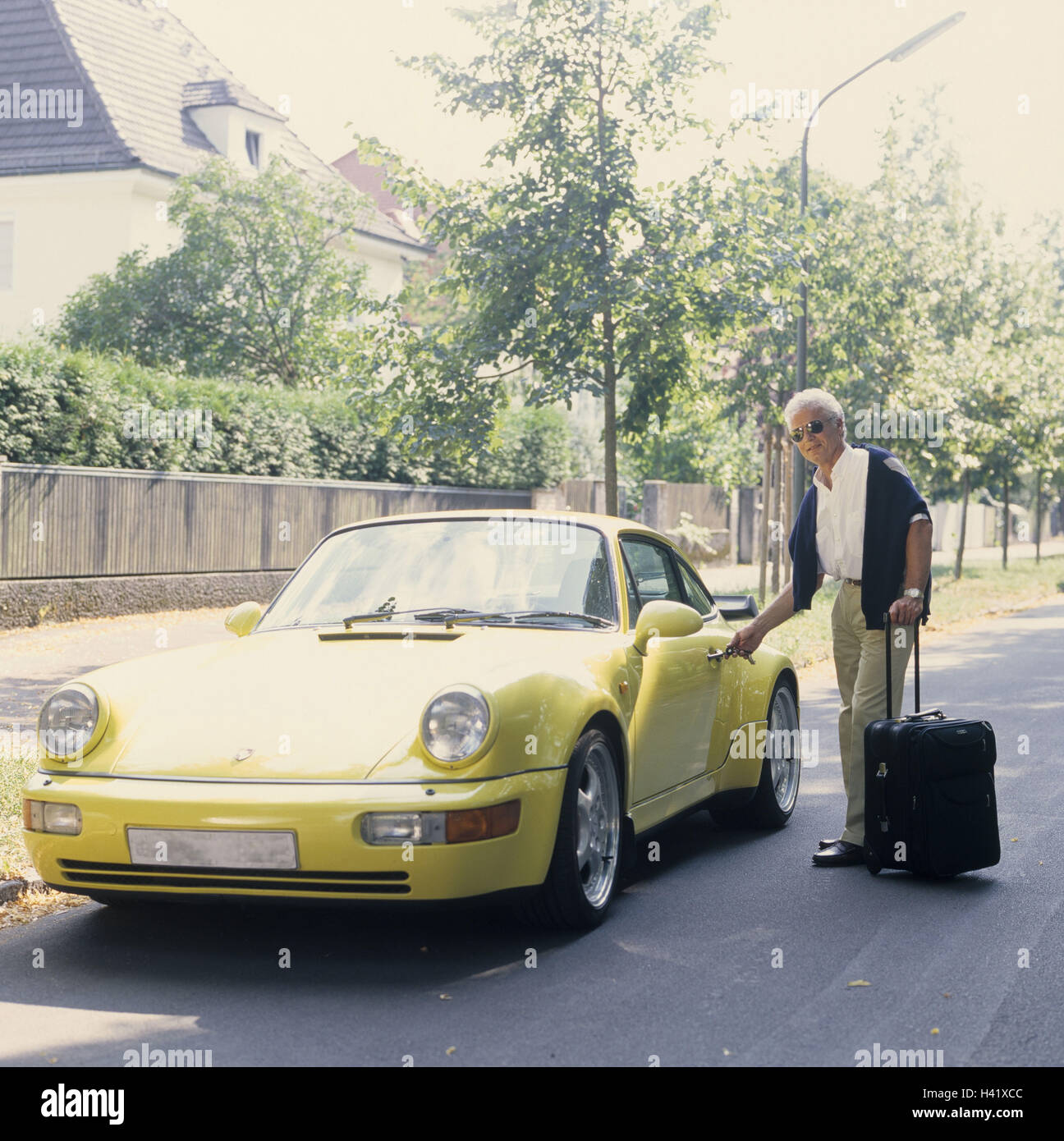 Beautiful Man, Middle Old Person, Porsche, Unlock, Luggage, 40 50 Years, Grey Haired,  Businessman, Well To Do, Wealth, Luxury, Luxury Car, Passenger Car, Sports  Car, ...