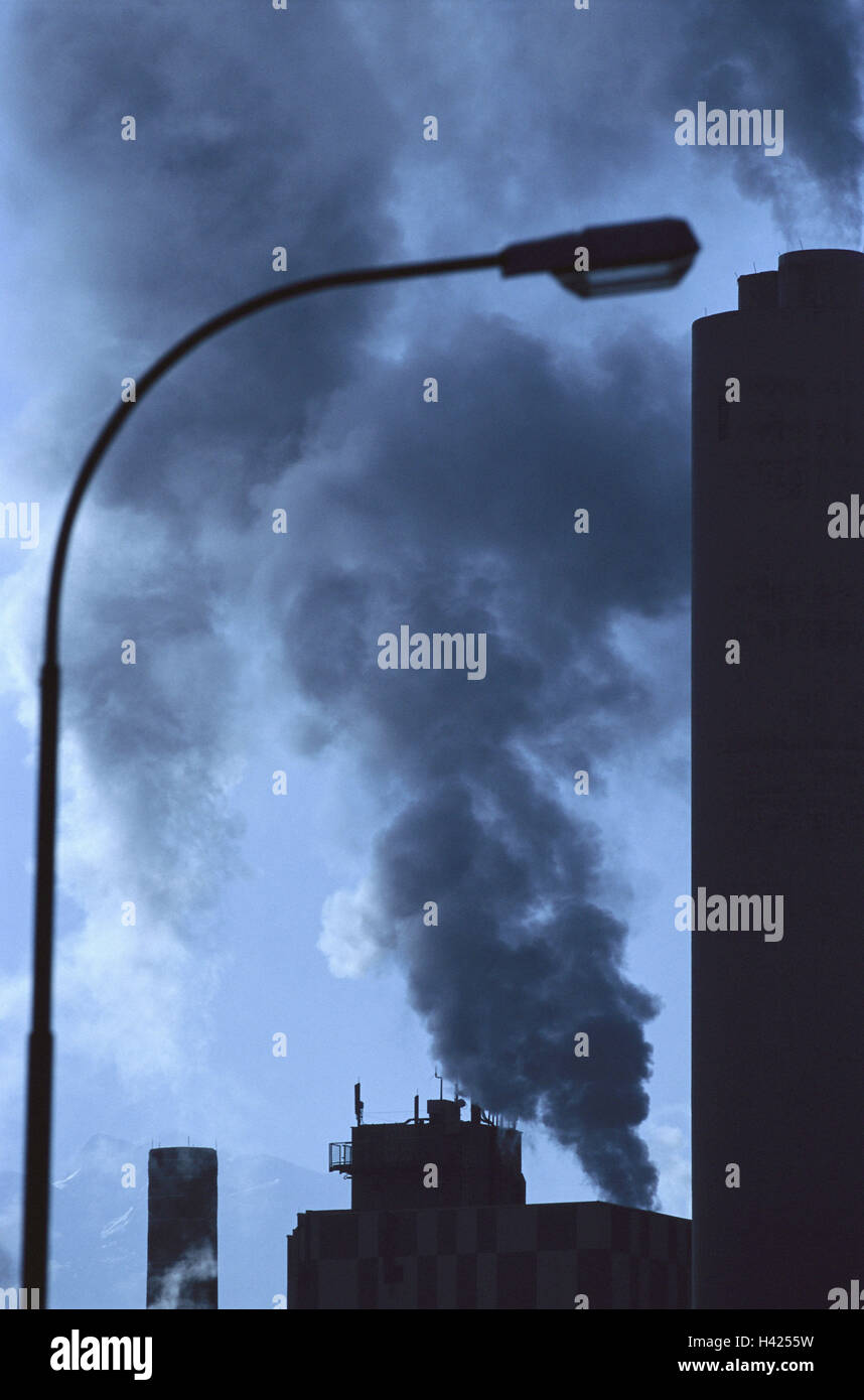 Silhouette, manufacturing plant, detail, chimneys, smoke, back light, factory, factory chimneys, chimney, food, - Stock Image